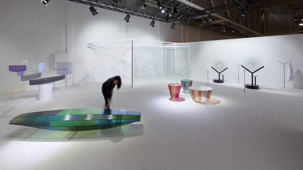 Lo spazio espositivo di AGC Asahi Glass nel SuperStudio di via Tortona per il Salone del Mobile 2017