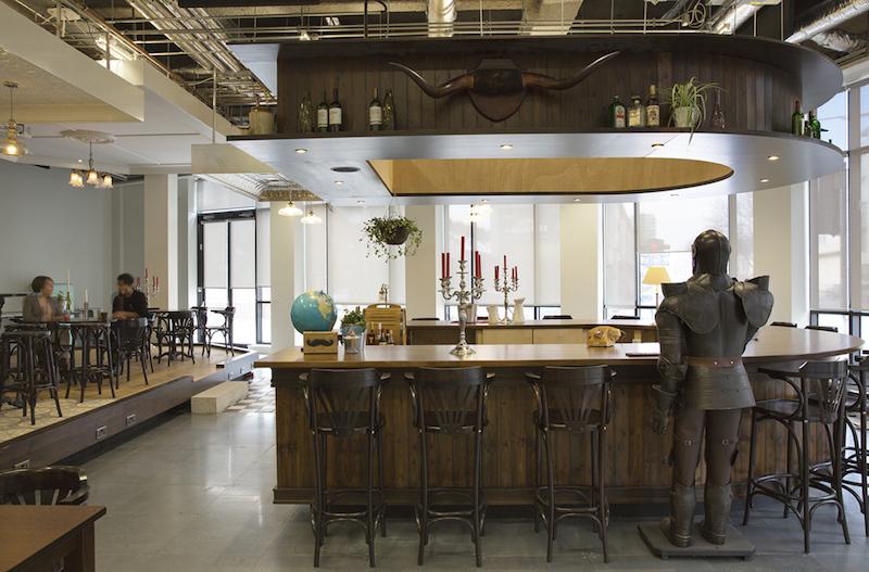 Airbnb Dublino, la reception è un pub irlandese © Ed Reeve