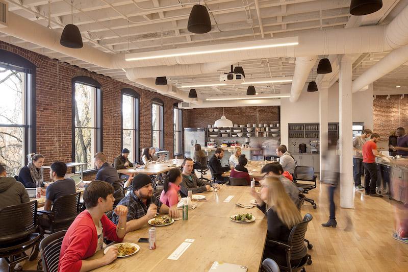 Airbnb Portland,  la cucina e la caffetteria © Jeremy Bittermann