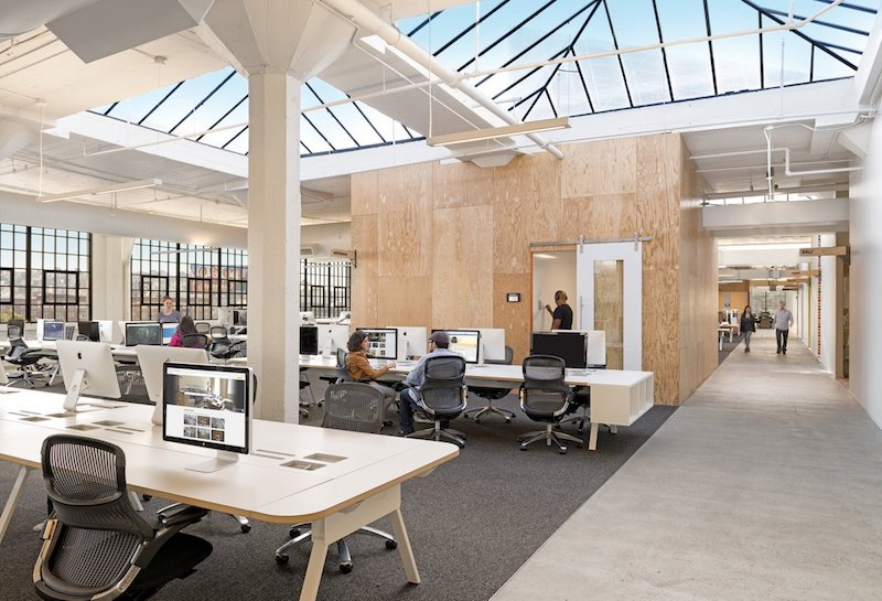 Airbnb San Francisco, ambienti di lavoro open plan © Jasper Sanidad