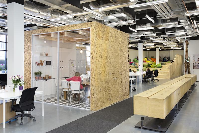 Office design gli uffici di airbnb nel mondo architetto for Mondo office