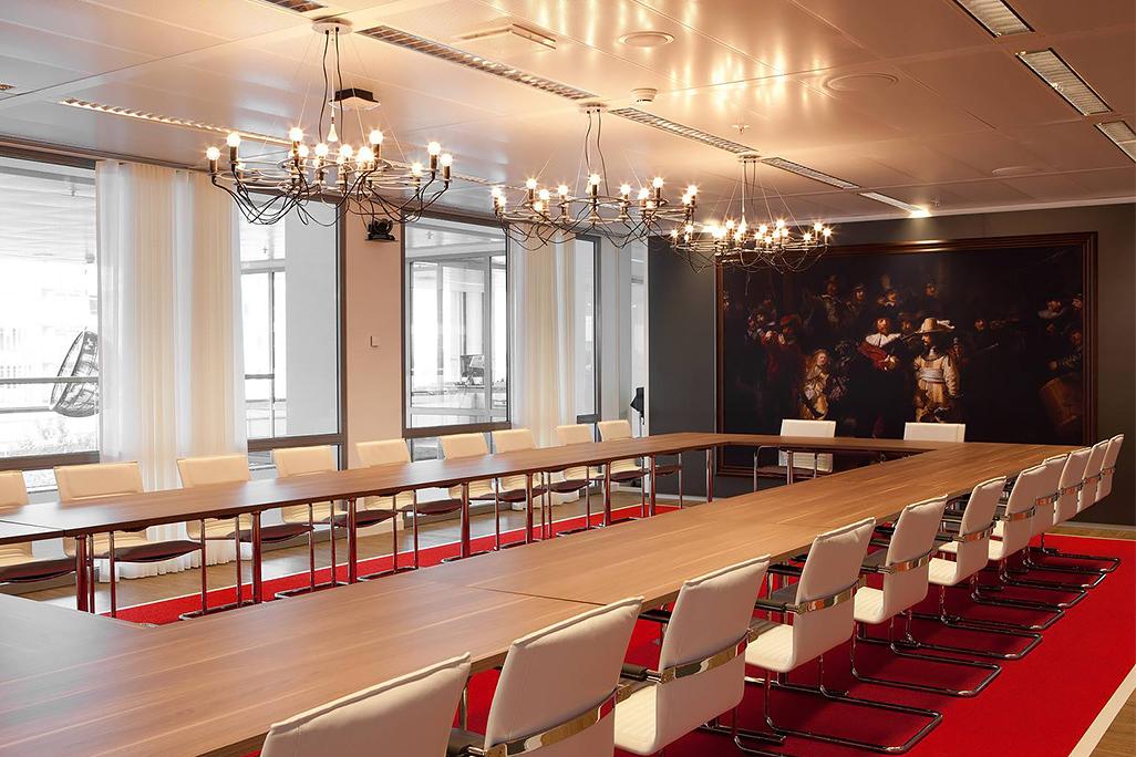 LinkedIn Amsterdam, la sala conferenze e il quadro di Rembrandt © Lensvelt