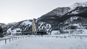 Architettura alpina: Elasticospa per l'Hotel 1301iNNa a Piancavallo