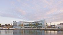 7.800 m2 di controsoffitti su misura per la Biblioteca Alexis de Toqueville a Caen firmata da OMA