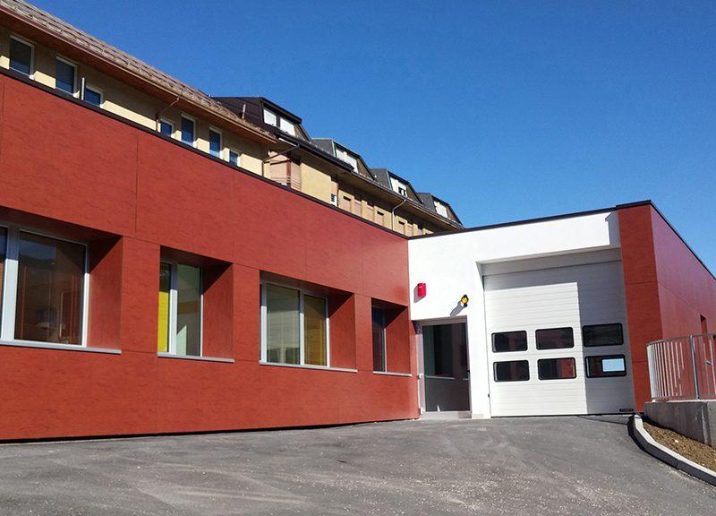 """L'ingresso del nuovo Pronto Soccorso dell'Ospedale """"Giovanni Paolo II"""" di Pieve di Cadore © Brianza Plastica"""