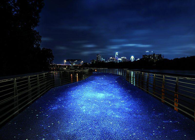 La promenade illuminata lungo il Lady Bird Lake di Austin in Texas – © IPM Italia