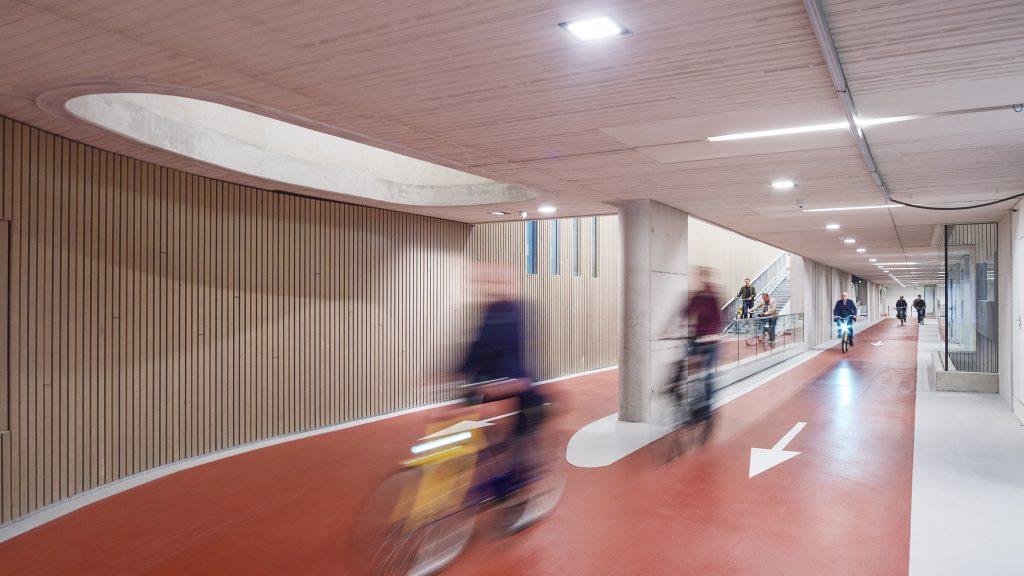 Stationsplein Bicycle Parking, Utrecht © Petra Appelhof | Ector Hoogstad Architecten